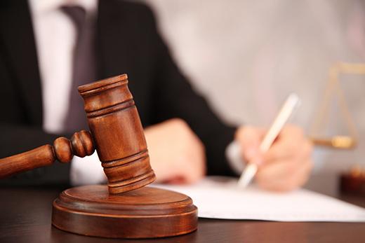 суды и приставы