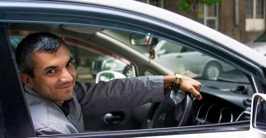 На фото – счастливый водитель